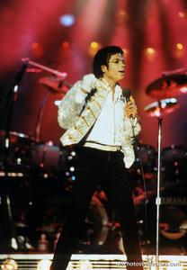 1984 VICTORY TOUR  Th_754362706_7030125801_d83610972f_b_122_101lo