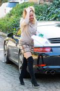 http://img289.imagevenue.com/loc164/th_159913087_Hillary_Duff_going_to_work_LA7_122_164lo.jpg