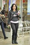 Алессандра Торесон, фото 634. Alessandra Torresani (Toreson) grabs lunch with a friend in West Hollywood - February 25, foto 634