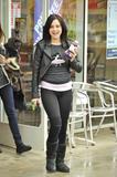 Алессандра Торесон, фото 634. Alessandra Torresani (Toreson) grabs lunch with a friend in West Hollywood - February 25, foto 634