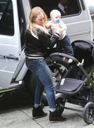 http://img289.imagevenue.com/loc436/th_559325687_Hilary_Duff_at_the_Four_Seasons_Hotel19_122_436lo.jpg