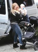 http://img289.imagevenue.com/loc436/th_559325687_Hilary_Duff_at_the_Four_Seasons_Hotel19_122_436lo.jpg