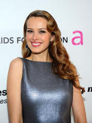 http://img289.imagevenue.com/loc56/th_889371370_KUGELSCHREIBER_Petra_Nemcova_19th_Annual_Elton_John_AIDS_Foundation_Academy_Awards_Viewing_Party1_123_56lo.jpg